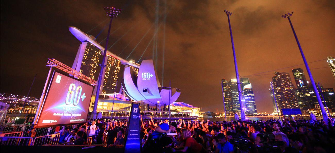 Earth Hour 2014 global event in Singapore © Getty Images