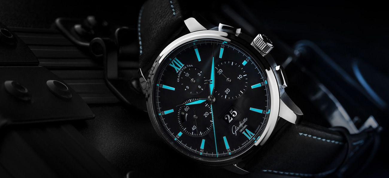 Blue lume on the Glashütte Original Senator Chronograph Panorama Date