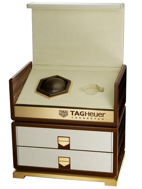 TAG Heuer Connected Full Diamonds box set